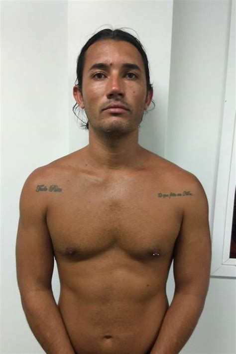 polcia civil prende jovem que comercializa armas pelo whatsapp pol 237 cia civil prende homem que tentou matar vereador na