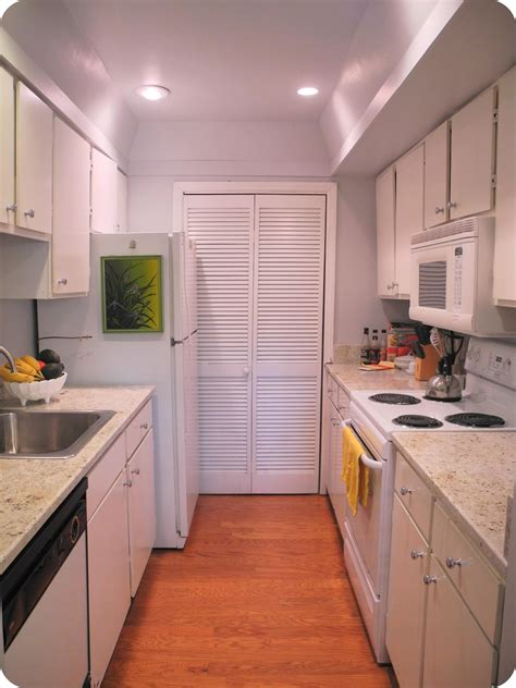 Galley Kitchen Ideas Makeovers by Galley Kitchen Remodel Gen4congress