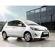 Toyota Yaris Hybrid 2013 Es Un Modelo Enfocado Al Ahorro Y La
