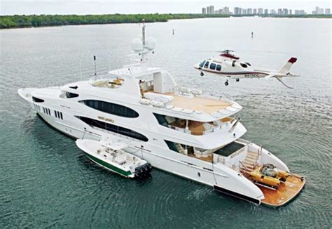 yacht game fun and games power motoryacht