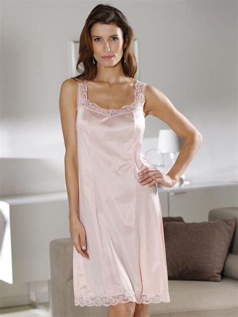 lingerie de satin 775 best images about top satin lace on pinterest