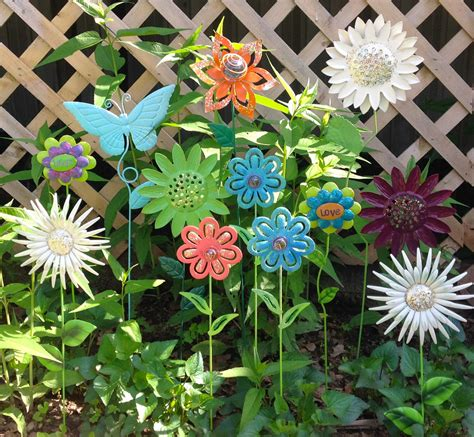 Metal Flower Garden Stakes Metal Flower Yard Stakes Blue Orange White Flower Garden