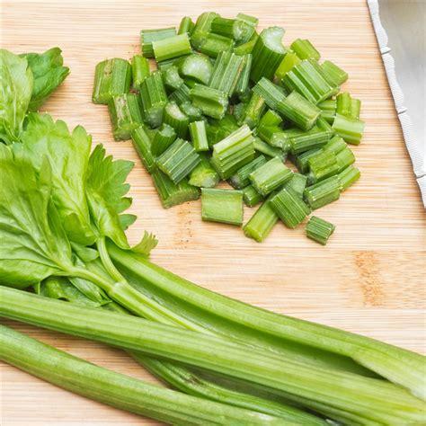 sedano in insalata insalata di sedano l idea per preparare e cucinare la