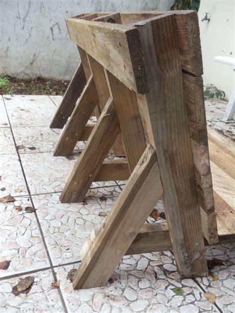 canapé bois salon de jardin avec palette en bois sol terrasse bois en