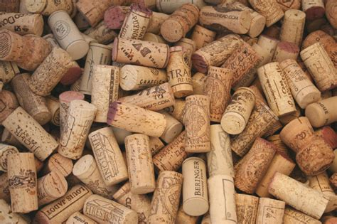 wine corks recycle wine corks to give a plain basket new life chica