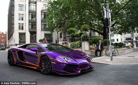 glow in the paint qatar lamborghini that glows in the is seized in