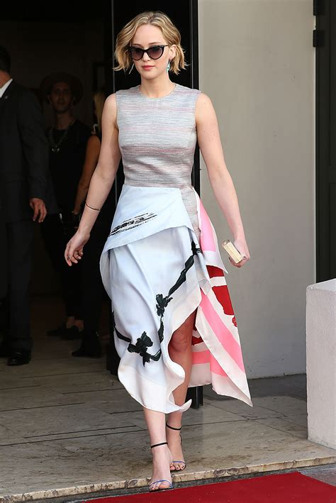 shows how to wear the scarf dress vogue