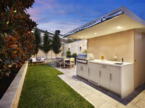 backyard bbq area design ideas barbacoas y muebles de cocina para el jard 237 n 34 ideas
