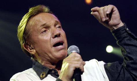 francoise hardy overleden franse zanger frank alamo overleden muziek showbizz hln