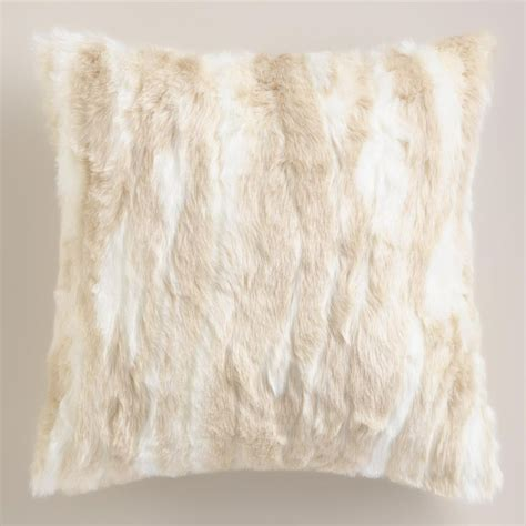 faux fur home decor 1000 ideas about faux fur pillows on pinterest fur