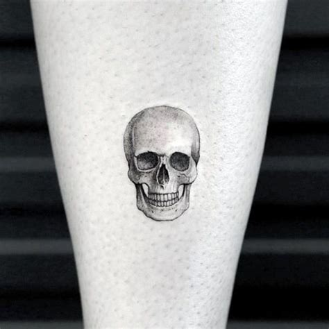 small crazy tattoos best 25 small skull ideas on