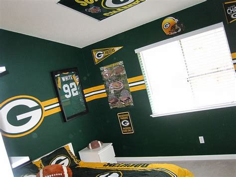 green bay packers bedroom ideas andrew luck bedroom green and kappa delta on pinterest