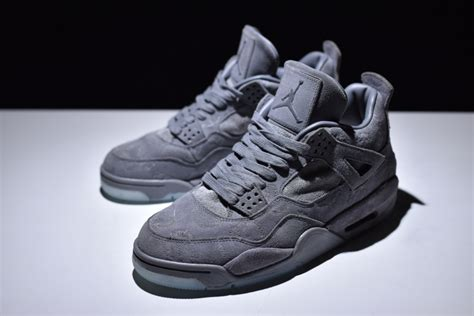 Nike Kaws kaws x nike air 4 cool grey white 930155 003