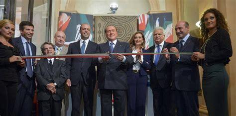 sede forza italia roma forza italia silvio berlusconi inaugura la nuova sede