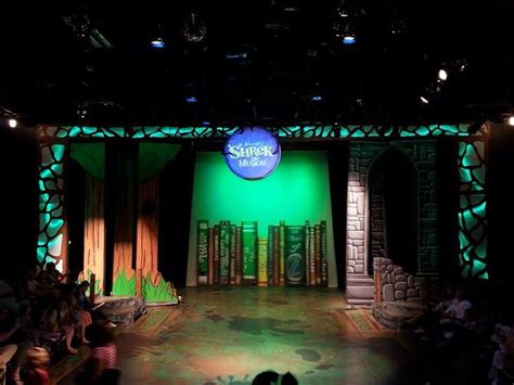 shrek the musical set design shrek the musical