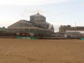 winter gardens great yarmouth great yarmouth the winter gardens 169 chris downer cc by sa