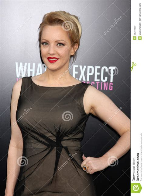 wendi mclendon covey arrives at the editorial stock image