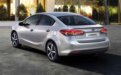 Kia Cerrato 2017 Kia Cerato Interior Exterior And Drive