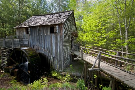 Cabin Of The Smokies by 28 Smoky Mountains Pictures That Will Make You Want To