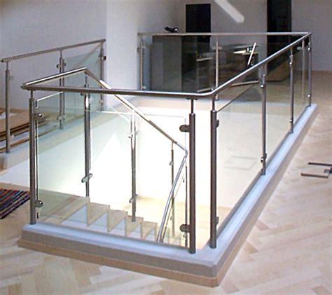 eingangstür mit glas gl03171 gelaender mit glas oben