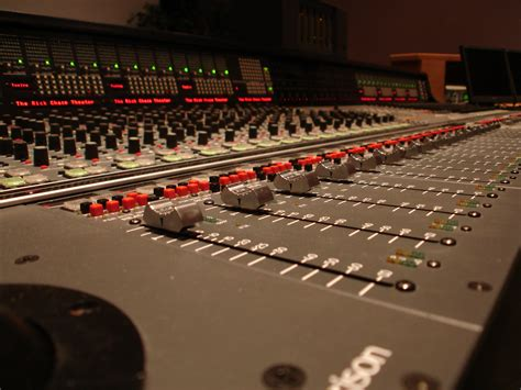 mix console triggertone mixing console