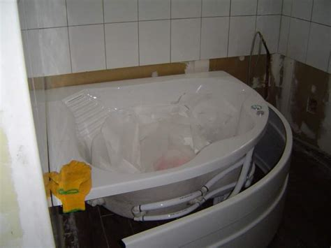 comment coffrer une baignoire poser un tablier de baignoire d angle aplusshippingcenter