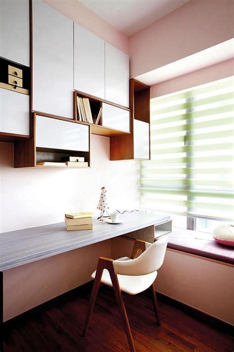 bay window desk the 25 best clear desk ideas on pinterest glass desk