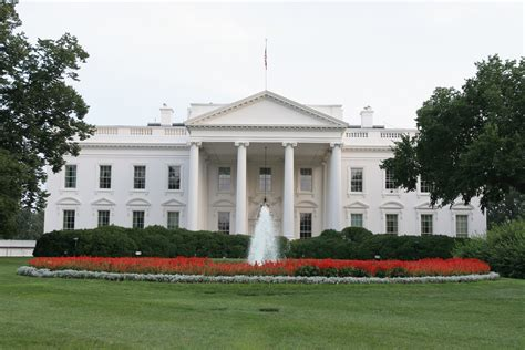 How Many Bathrooms Does The White House by The White House By The Numbers A Look At Donald S