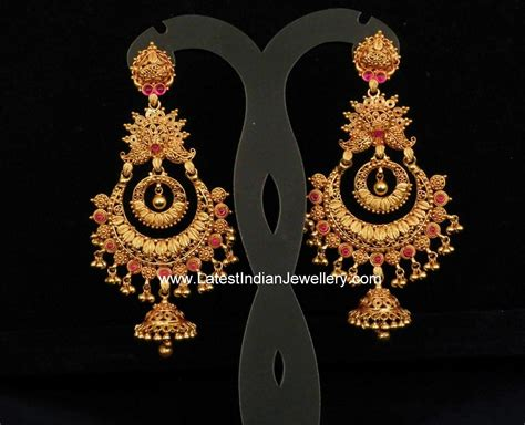 40 beautiful women wearing heavy gold jewelry stylishwife gold antique heavy chand balis necklaces pinterest