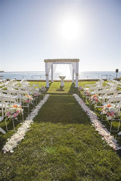 Wedding Aisle Lined With Flowers by Ceremony D 233 Cor Photos Oceanfront Ceremony With Petal