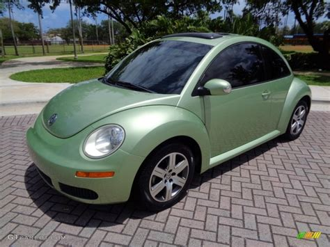 green volkswagen beetle 2006 gecko green metallic volkswagen new beetle tdi coupe
