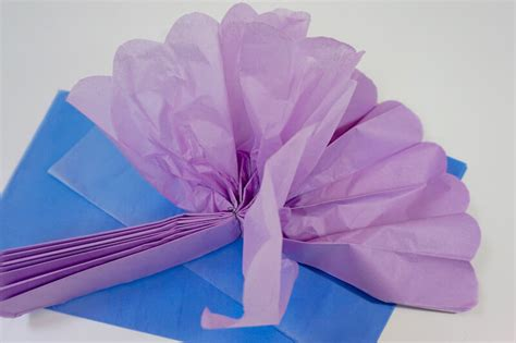 come fare dei fiori di carta come fare i fiori di carta per la casa di primavera