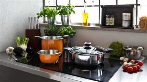 soluzioni cucina piccola dalani tante idee salvaspazio per la cucina piccola
