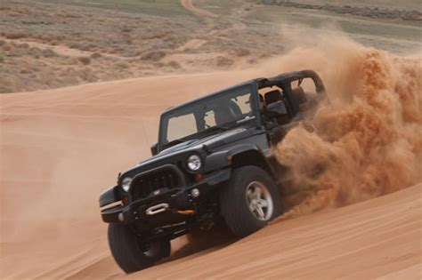 Driving Jeep Road Driving Tips For Sand Courtesy Jeep 187 Autoguide