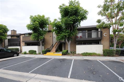 Apartments In Huntington Ca Beachpointe Apartment Homes Rentals Huntington Ca