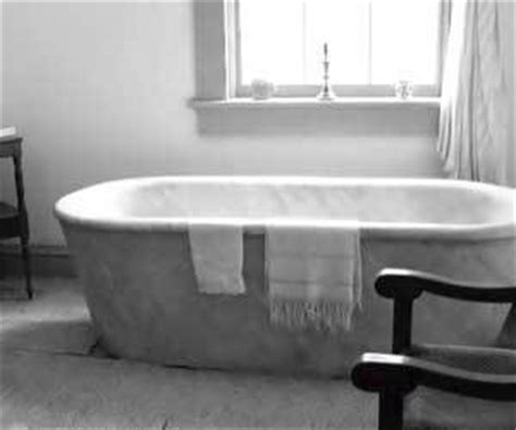 remove paint from bathtub how to remove paint from the bathtub
