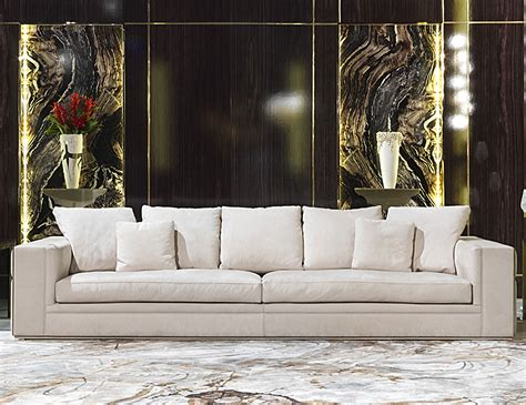 luxury sofas and chairs nella vetrina visionnaire ipe cavalli babylon luxury