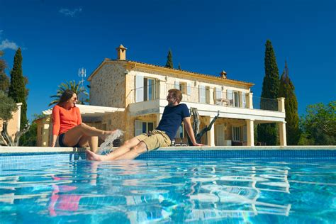 huis in het buitenland een huis kopen in het buitenland wat met de belastingen