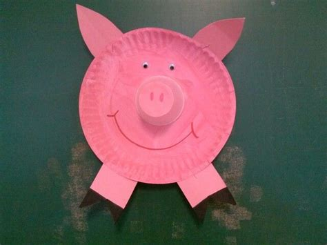 Pig Paper Plate Craft - paper plate pig birthday decor