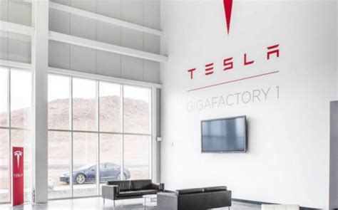 tesla gigafactory planned 2020 production of lithium ion cells slide here s your first look inside the tesla gigafactory