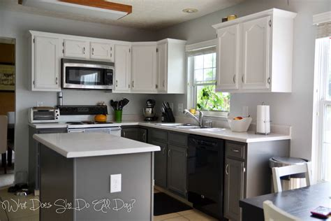 painted gray kitchen cabinets painted kitchen cabinets before and after what does she