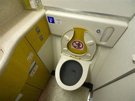 materiel de cing toilette ryanair reaps benefits of being nicer to customers with 66
