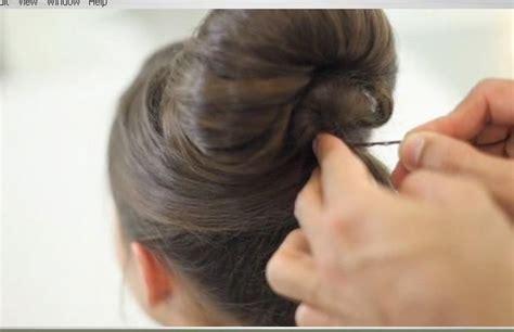 audrey hepburn hairstyles instructions how to do an audrey hepburn bun hairs pinterest updo
