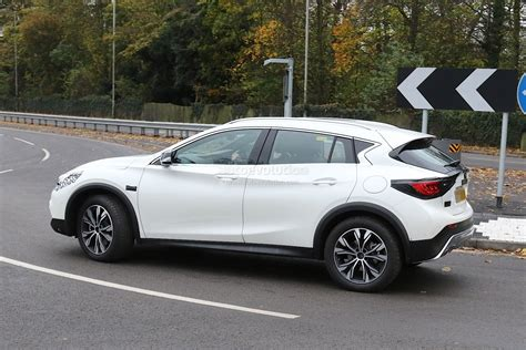 nissan infiniti 2017 2017 infiniti qx30 crossover spied with virtually no