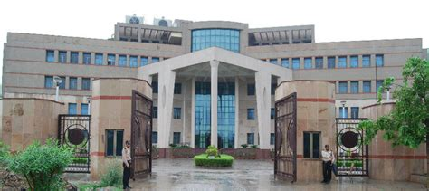 Iiml Noida Executive Mba Placement by Cat 2017 To Be Conducted By Iim Lucknow Career