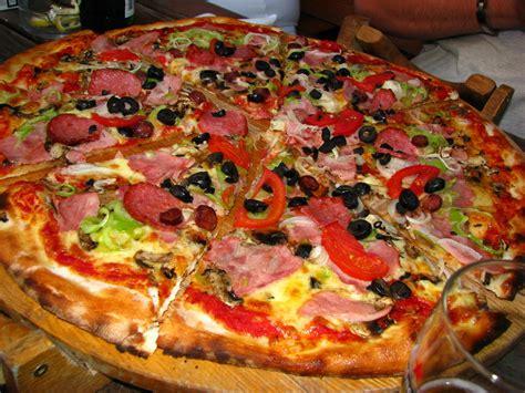 big pizza b 252 y 252 k pizza resim