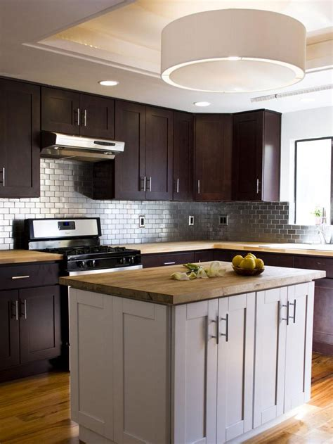 kitchens with stainless steel backsplash 25 best ideas about stainless steel backsplash tiles on