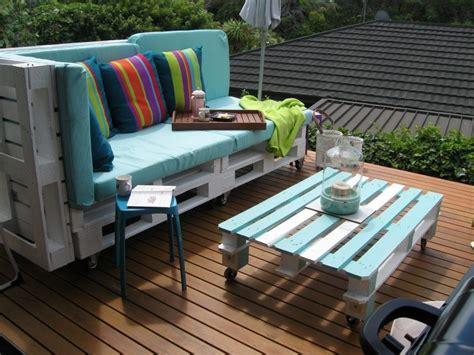 europaletten balkon wie baue ich ein sofa aus europaletten diy anleitung und