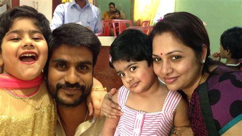 actor karthik brother ganesh zee tamil thalayanai pookal shree kumar family photo