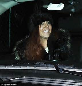 Lindsay Lohan Gets Free Chauffeur Service by Lindsay Lohan S Troubles Continue As She Is Forced To Pay